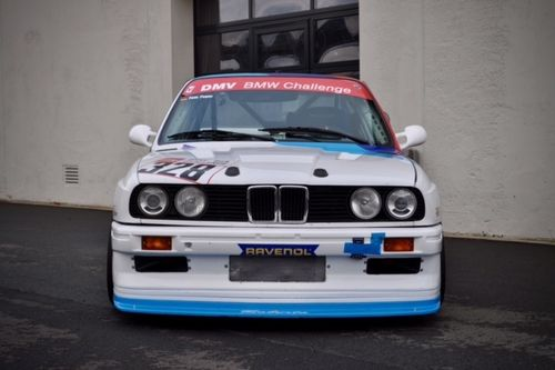 Lightweight Bonnet e30 with Vent